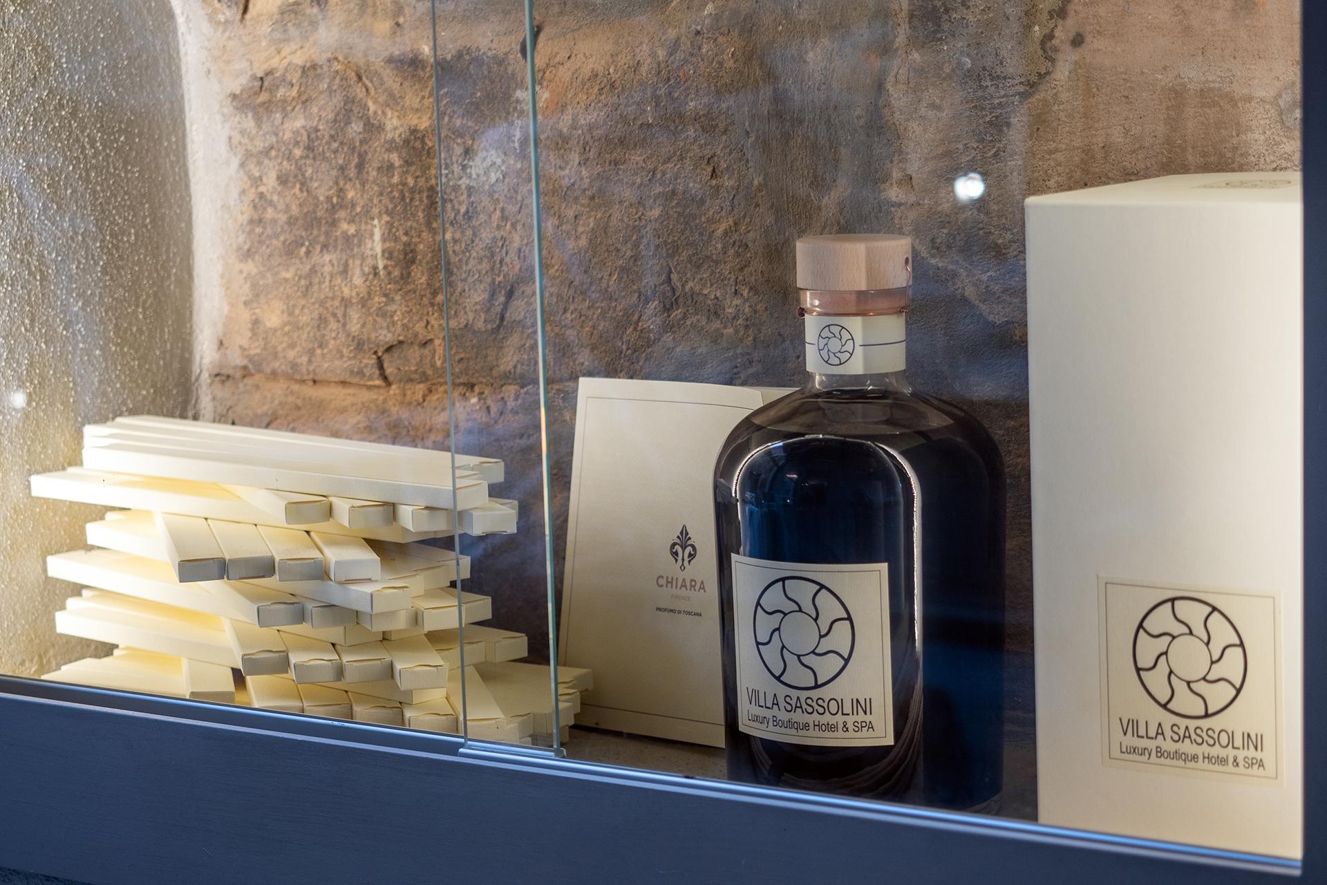 Villa Sassolini, hotel di design in Toscana, prodotti di cortesia scelti con cura