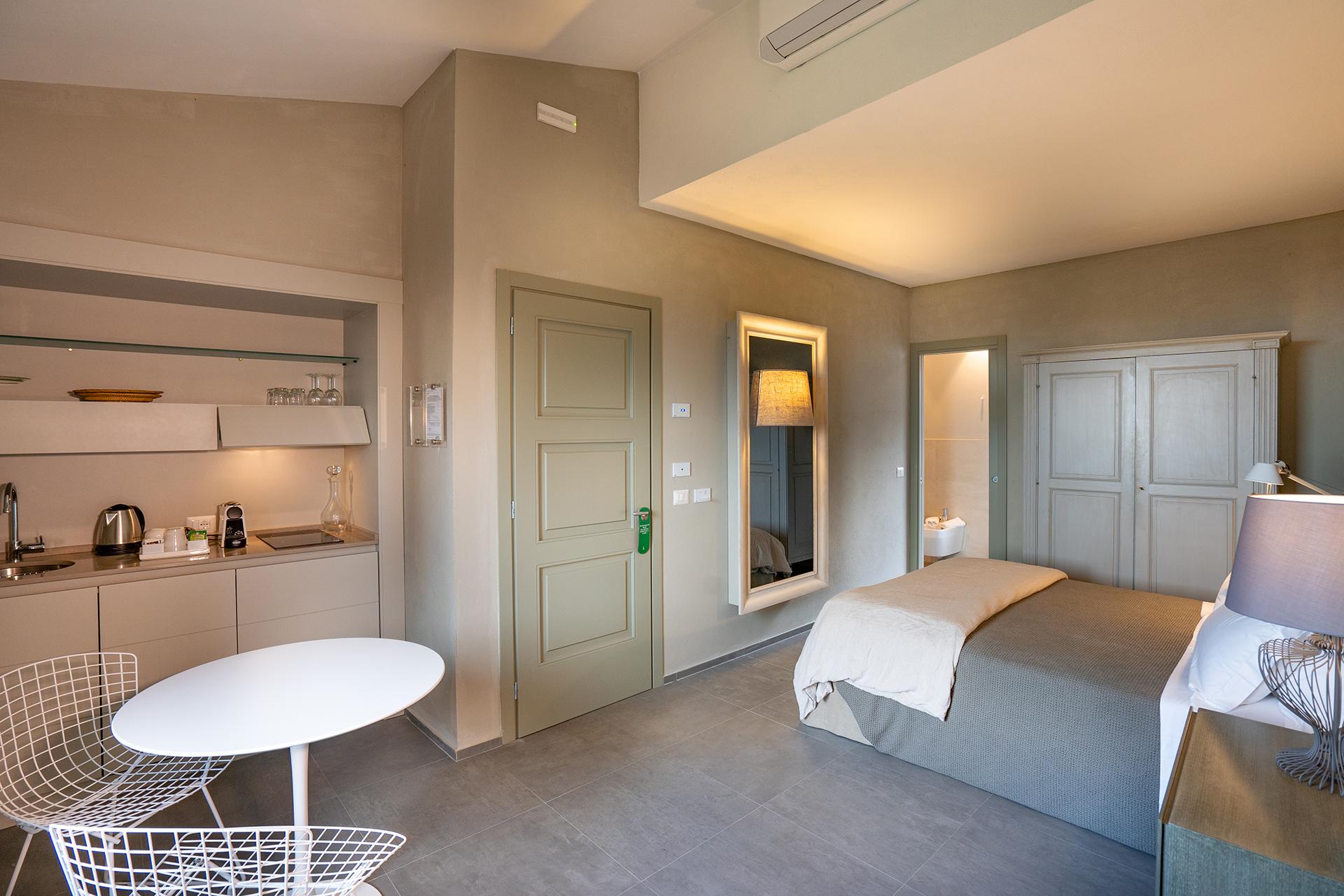 Appartamento con angolo cucina in dependance di lusso a Villa Sassolini, Toscana