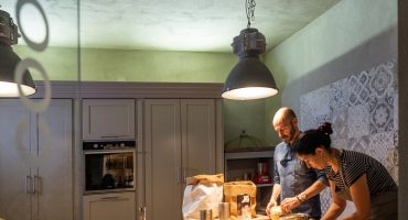 imparare i segreti della cucina toscana a Villa Sassolini
